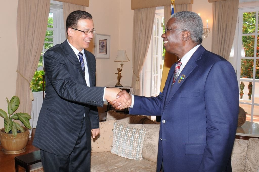 Prime Minister Freundel Stuart greeting Egypt's Ambassador to Barbados, Atef Mohamed Salem Sayed Elahl at the start of their meeting at Ilaro Court. (B.Hinds/BGIS)