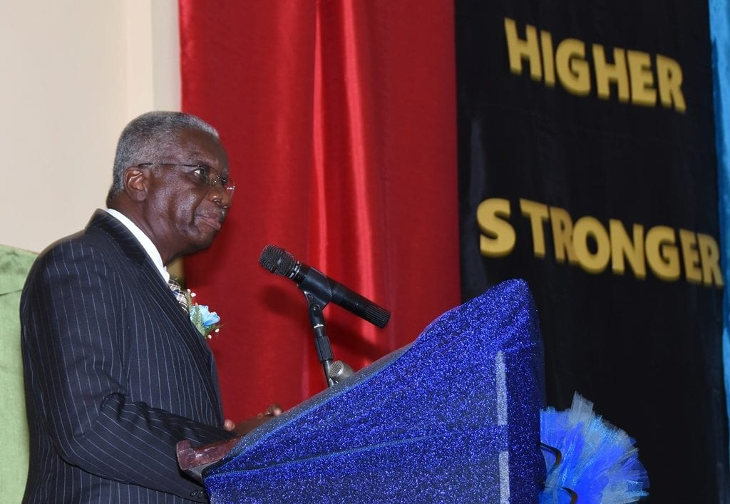 Prime Minister Freundel Stuart addressing the Reynold Weekes Primary School's graduation ceremony at the BWU's Labour College today. (C.Pitt/BGIS)