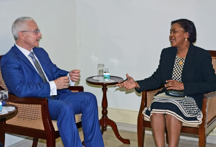 French Envoy Visits Foreign Ministry