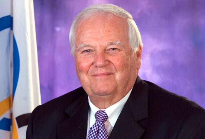Lashley Lauds Outgoing BOA President