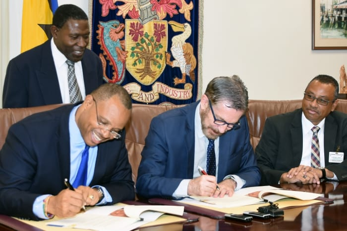 Gov't Signs Loan Agreement With CAF