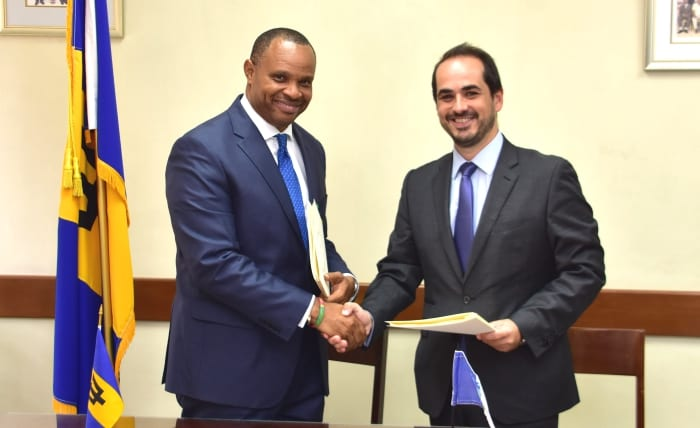Government & IDB Sign Tourism Industry Loan