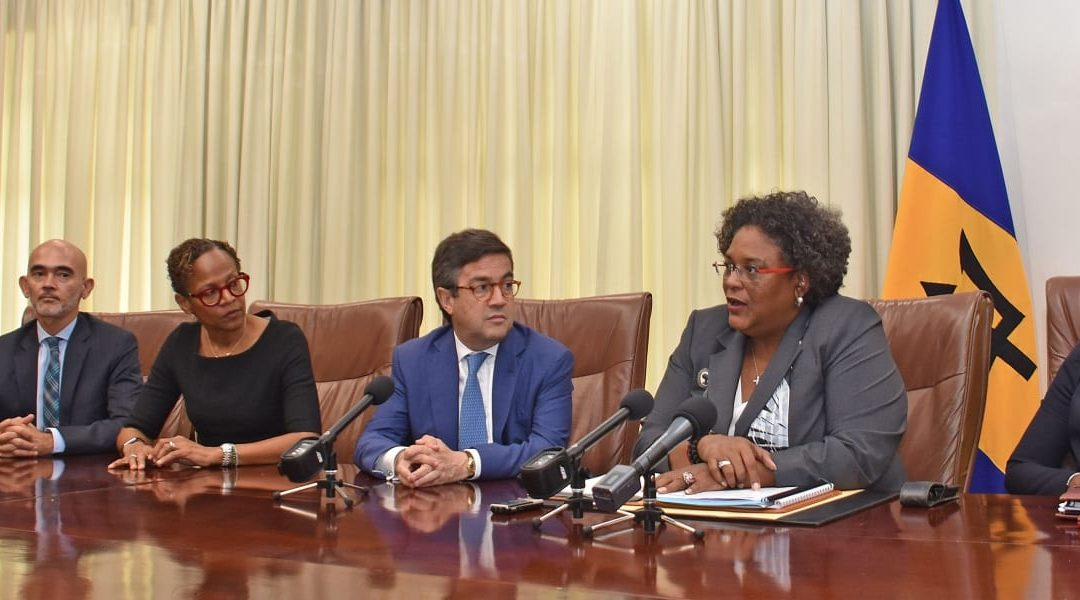 PM Mottley Meets With IDB President