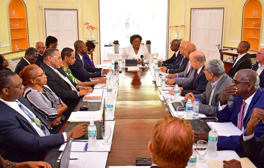 PM Meets With Regional Private Sector